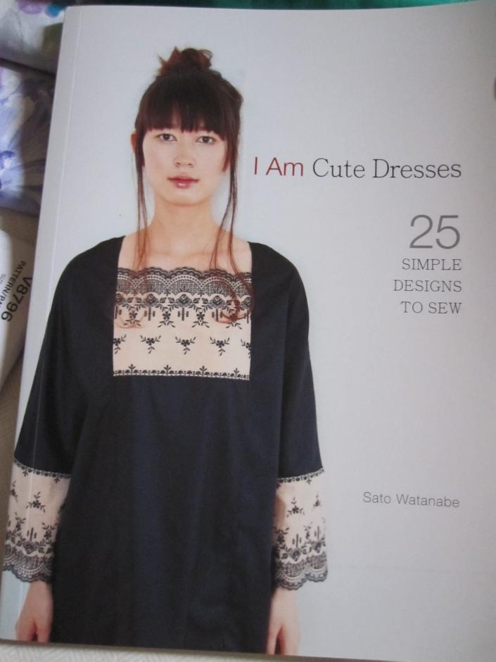 Book: I Am Cute Dresses